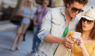 Smart shopping list tells users when wanted items are nearby