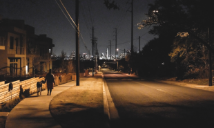 Navigation app shows nocturnal walkers the best-lit route home