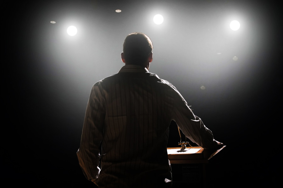 Professional Speakers Need More Than Just a Media Profile Today