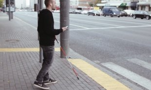 Crowdsourced app helps the visually impaired cross the road