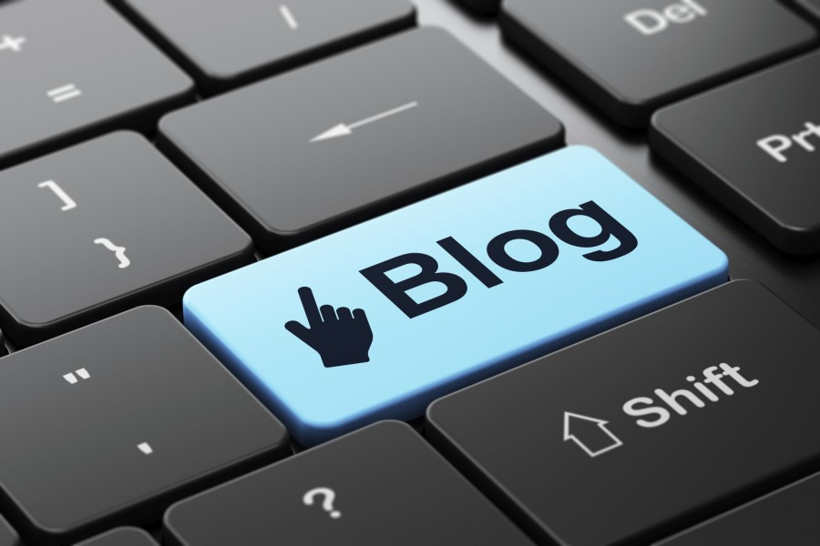 Putting Your Blog to Work: 4 Milestones to Hit Before Trying to Turn Your Blog into Your Business