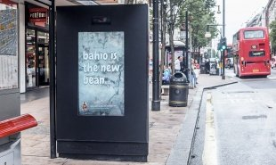 Billboard evolves based on passerby reaction