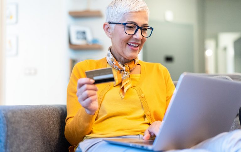 Customer purchasing and item online